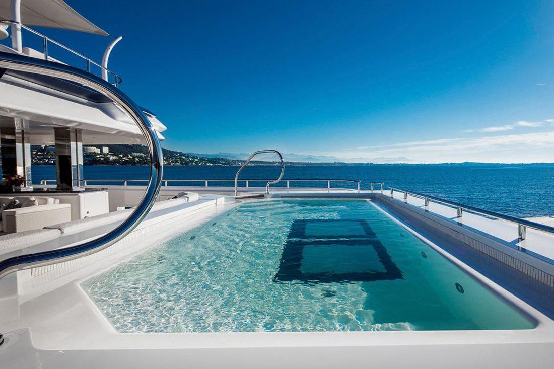 o1nqvOzHTW6DHGILlcoZ_best-superyacht-pools-crn-yacht-cloud-9-credit-maurizio-paradisi-1280x720.jpg